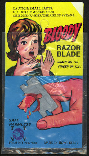 #TY584 - Old Carded Bloody Razor Blade Gag - Great Graphics