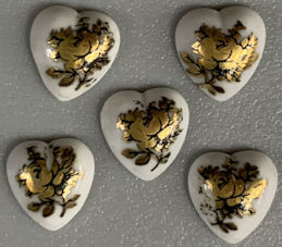 #BEADS0901 - Group of 5 Small Heart Shaped 8mm Glass Cameo with Gilded Floral Decoration