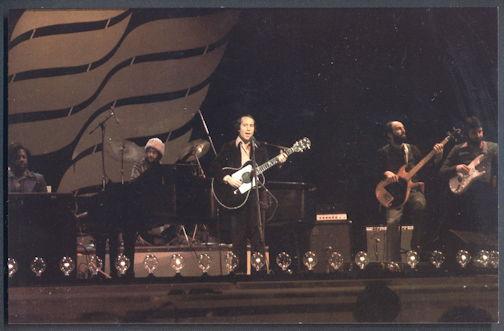 ##MUSICBG0099  -  Unused 1978 Paul Simon (Simon and Garfunkel) Postcard - As low as $1 each