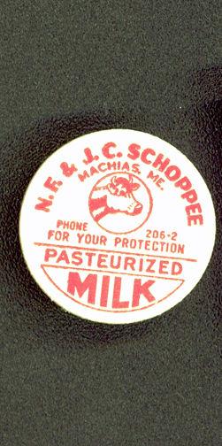 #DC100 - Scarce Schoppee Cardboard Creamer Milk Cap - Cow Pictured