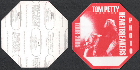 ##MUSICBP0648 - Tom Petty and the Heartbreakers OTTO Cloth Backstage Photo Pass from the 2005 Tour