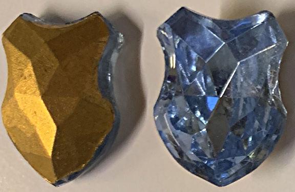 #BEADS0876 - Large 18mm Foil Back Aqua Shield Rhinestone