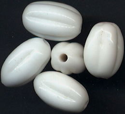#BEADS0816 - Group of Five Large Thick Embossed 16mm White Pre War Japan Beads